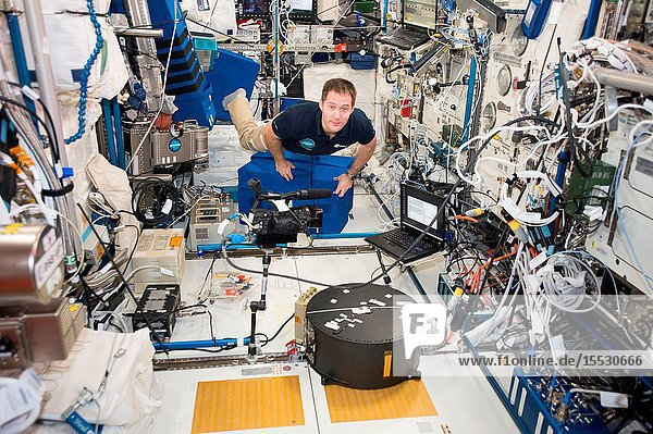 Astronaut Thomas Pesquet  of the European Space Agency (ESA)  participates in the Fluidics experiment inside the Columbus laboratory module developed by ESA. Fluidics is exploring how liquids behave in spacecraft tanks and wave turbulence phenomena that occurs at the surface of liquids.