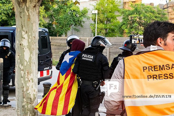 September 11  2019 - Manifestation against the catalan politicians in fron of the Catalonia Parliament in Barcelona.
