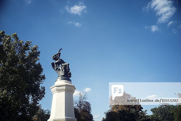 Fountain of the fallen Angel. Retiro Park  Madrid  Spain  Europe.