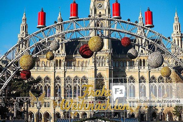 Christmas Market at Neues Rathaus (City Hall) building  Vienna  Austria.