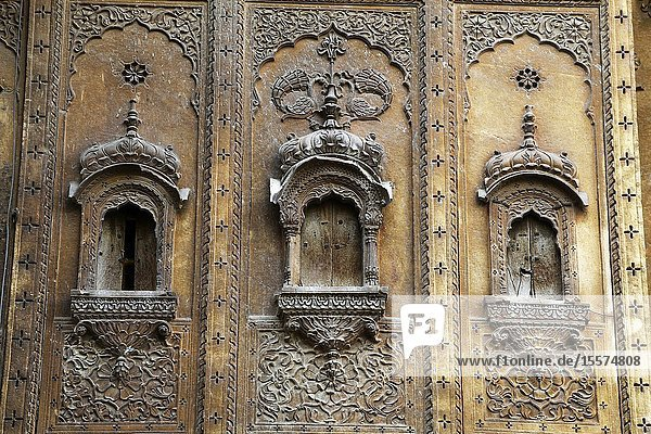 Traditional architectural details of Haveli  palace at Jaisalmer  Rajasthan  India.