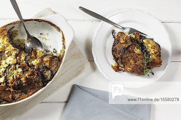 Vegetarischer Moussaka mit Auberginen  Kartoffeln und Linsen