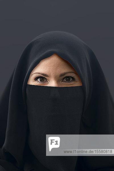 Muslimische Frau mit Hidschab
