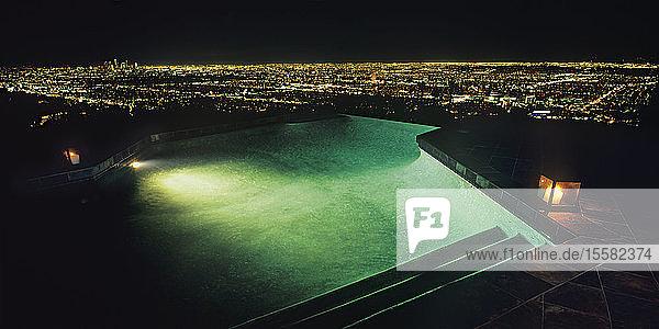 USA  Kalifornien  Blick auf Los Angeles bei Nacht