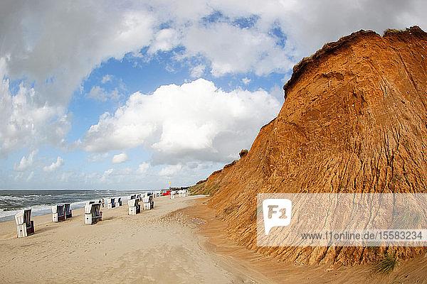 Deutschland  Nordfriesische Inseln  Sylt  Blick auf Rotes Kliff und Strand