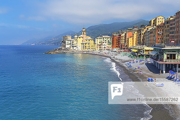 The picturesque fishing village of Camogli  Camogli  Riviera di Levante  Liguria  Italy