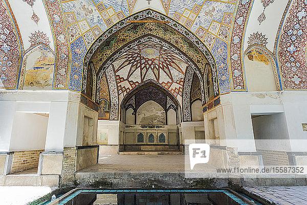 Fin Garden  Kushak pavilion  detail of the ceiling  UNESCO World Heritage Site  Kashan  Isfahan Province  Islamic Republic of Iran