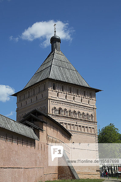 Rampart Walls and Towers  Saviour Monastery of St. Euthymius  UNESCO World Heritage Site  Suzdal  Vladimir Oblast  Russia