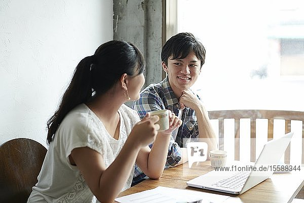 Young Japanese people at a cafe