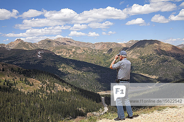 Walking trails and expansive views greet those who stop at the top of Loveland Pass (altitude 11 990 feet) in the Colorado Rockies. Binoculars come in handy.