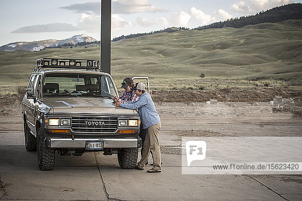 Phoebe Bean  Jackie Jordan  and Jenny Madsen travel in Rudy  a 1900 Land Cruiser  across Yellowstone Country.