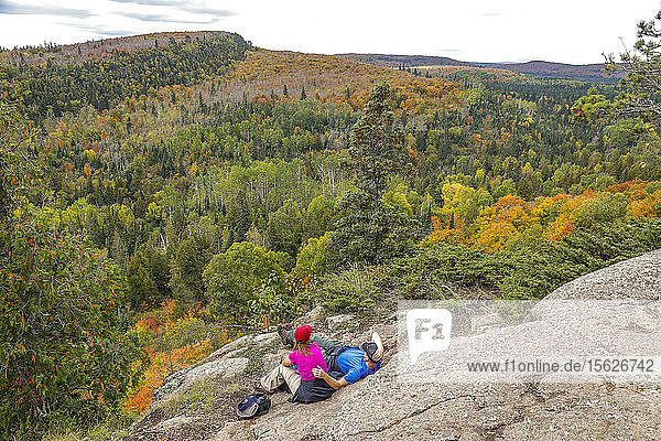 Scenery with forest and hikers at Oberg Mountain hiking trail  Tofte  Minnesota  USA