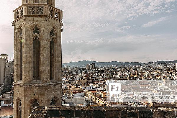 Stadt Barcelona  von der Basilika Santa MarÃa del Mar aus gesehen  Spanien