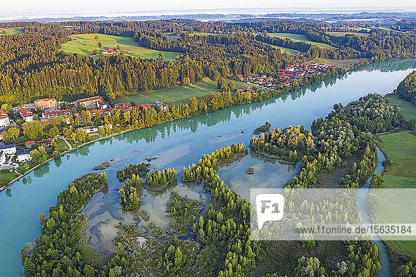 Luftaufnahme des Isarstausees bei Bad Tölz  Isarwinkel  Deutschland