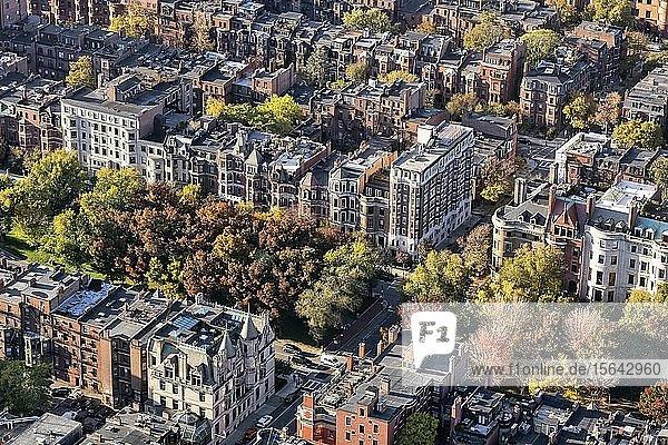 Ausblick vom Prudential Tower auf die Häuser im historischen Stadtteil Back Bay  Boston  Massachusetts  Neuengland  USA  Nordamerika