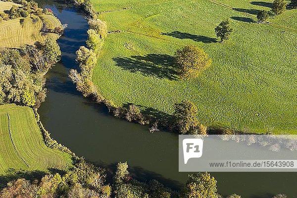 Flusslauf der Loisach bei Eurasburg  Luftaufnahme  Oberbayern  Bayern  Deutschland  Europa