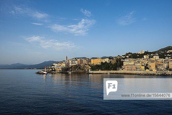 Stadtansicht mit Fährhafen  Morgenstimmung  Bastia  Korsika  Frankreich  Europa