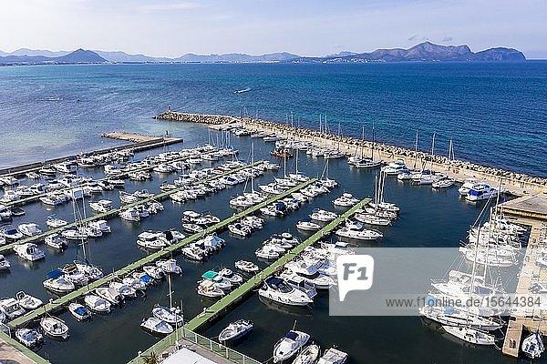Luftaufnahme  Jachthafen  Can Picafort  Mallorca  Balearen  Spanien  Europa