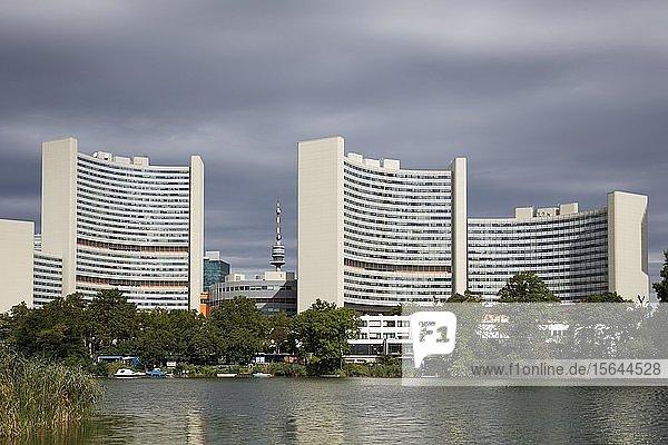 Vienna International Centre  VIC  UNO-City  vorne Kaiserwasser  Wien  Österreich  Europa