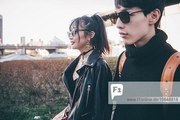 Trendiges junges Paar  Mailand  Italien