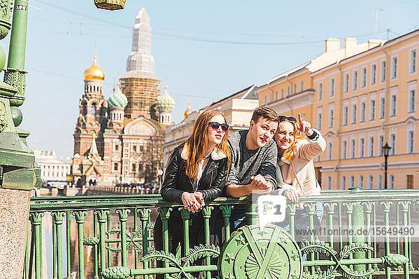 Freunde Stadtbesichtigung  Sankt Petersburg  Russland