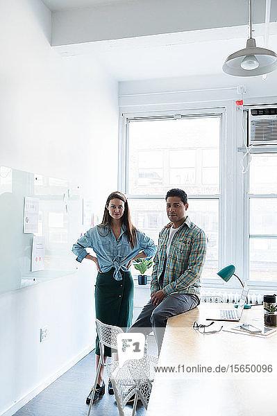 Mitarbeiter in einem modernen Büro