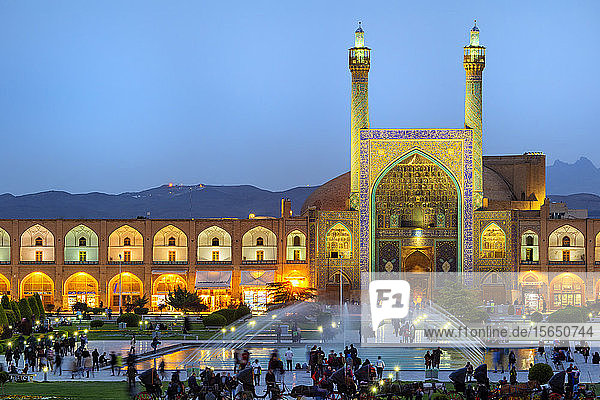 Masjed-e Imam Mosque at sunset  Maydam-e Iman square  UNESCO World Heritage Site  Esfahan  Iran  Middle East
