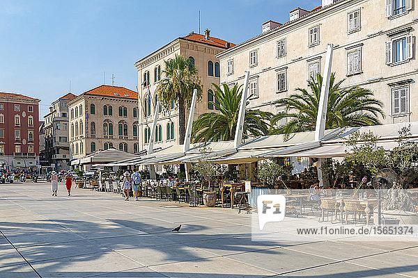 View of buildings and cafes on the Promenade  Split  Dalmatian Coast  Croatia