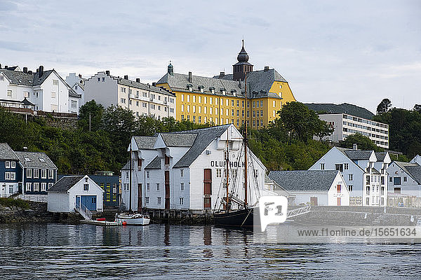 The seafront in the harbour in Alesund  More og Romsdal  Norway  Scandinavia