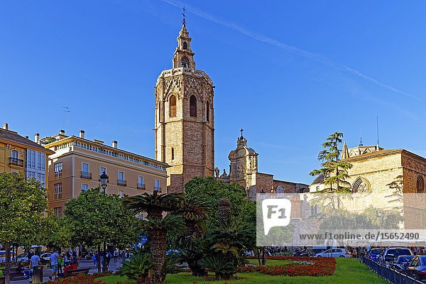 Valencia Cathedral  Plaça de la Reina  Valencia  Spain  Europe