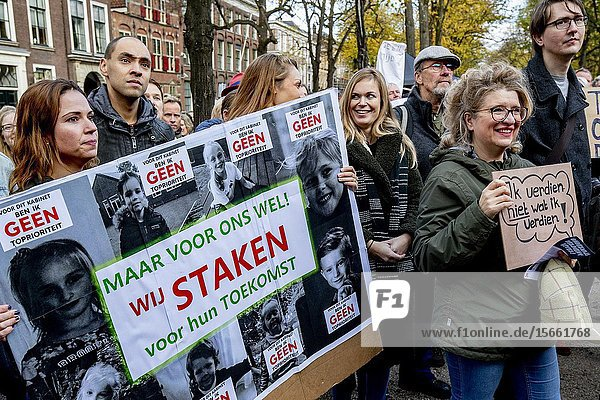 THE HAGUE - Teachers and support staff travelled to The Hague  where the Dutch parliament sits  to protest horrendous conditions in schools  low wages and high workload caused by years of austerity carried out by all the major parties.