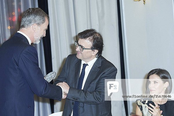 King Felipe VI of Spain  Queen Letizia of Spain  delivery the 'Francisco Cerecedo' journalism award to Javier Cercas at Palace Hotel on November 28  2019 in Madrid  Spain