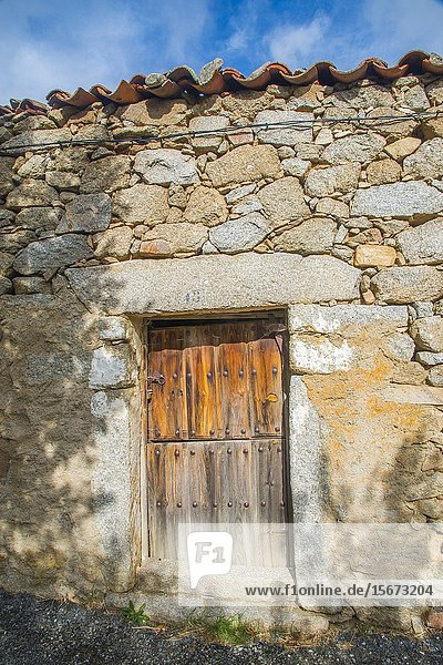 Old house door. Benitos  Avila province  Castilla Leon  Spain.