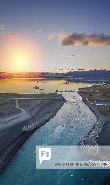 Jokulsarlon Glacial Lagoon  Vatnajokull National Park  Iceland. Unesco World Heritage Site.