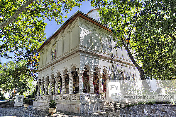 New St. George Church  dating from 1705  Old Town  Bucharest  Romania  Europe