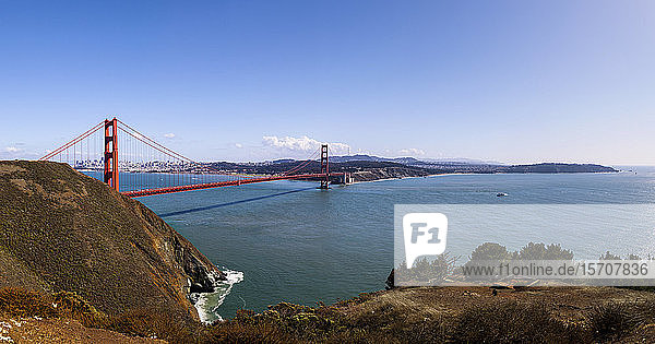 USA  California  San Francisco  Panorama of Golden Gate Bridge on sunny day