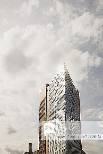 Deutschland  Berlin  Potsdamer Platz  Wolkenkratzer gegen den Himmel