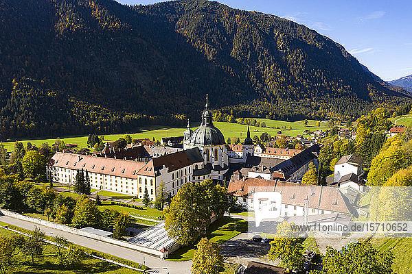 Deutschland  Bayern  Oberbayern  Ettal  Luftaufnahme Benediktinerkloster Abtei Ettal