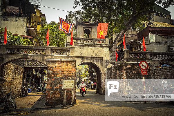 City gate Quan Chuong  Hanoi  Vietnam  Asia