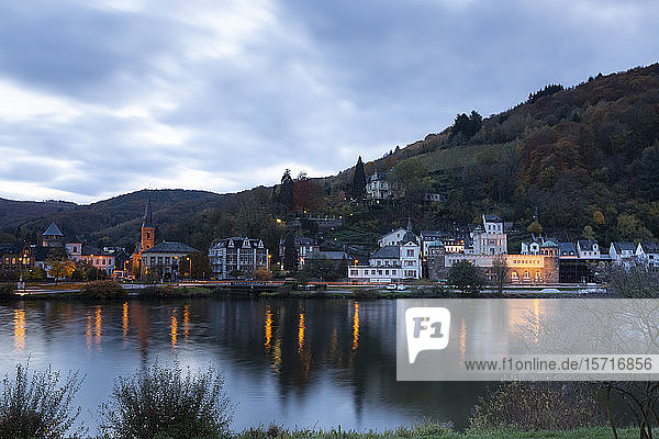Germany  Rhineland-Palatinate  Traben-Trarbach  Riverside town at autumn dusk