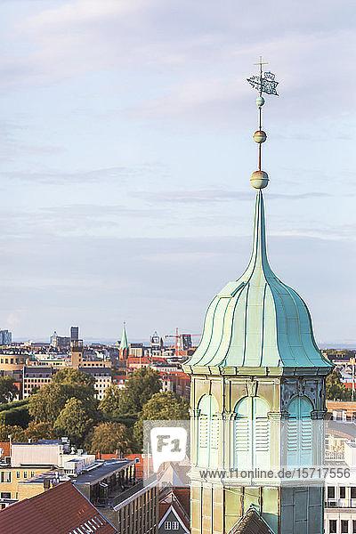Dänemark  Kopenhagen  Turm der Trinitatiskirche und umliegende Altstadtgebäude