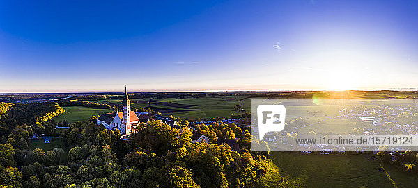 Deutschland,  Bayern,  Oberbayern,  Pfaffenwinkel,  Ammersee,  Abtei Andechs bei Sonnenaufgang