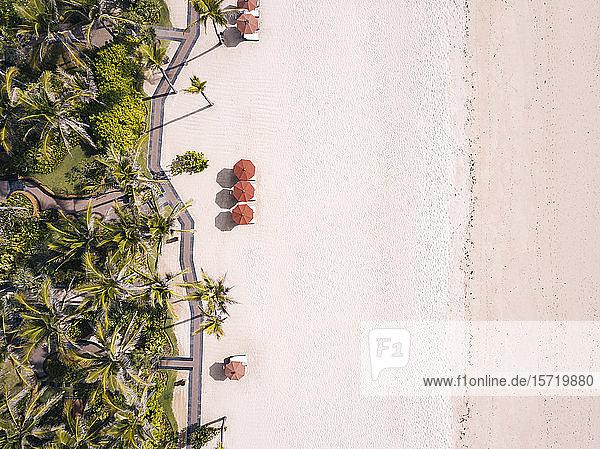 Indonesien  Bali Luftaufnahme des Strandes von Nusa Dua