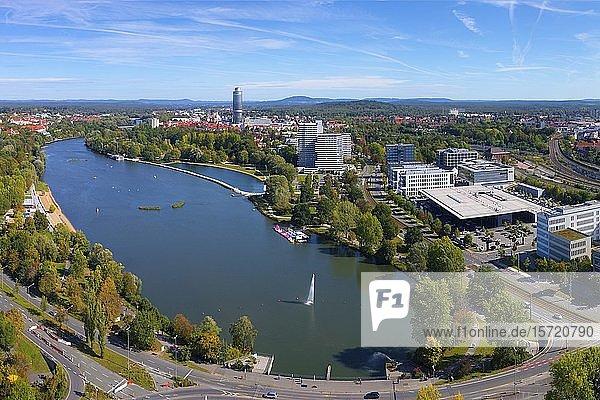 Stadtansicht  Wöhrder See  Industriegebiet im Ortsteil Tullnau  Naherholungsgebiet  Nürnberg  Mittelfranken  Franken  Bayern  Deutschland  Europa