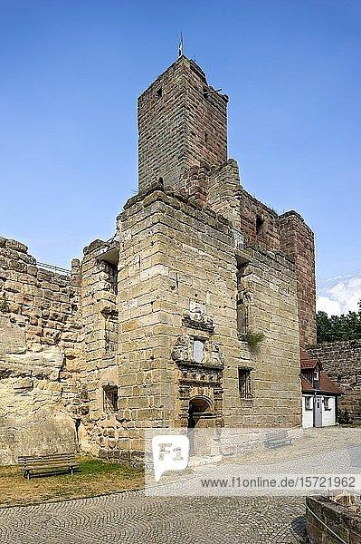 Mittelalterliche Burgruine  Altstadt  Hilpoltstein  Mittelfranken  Franken  Bayern  Deutschland  Europa