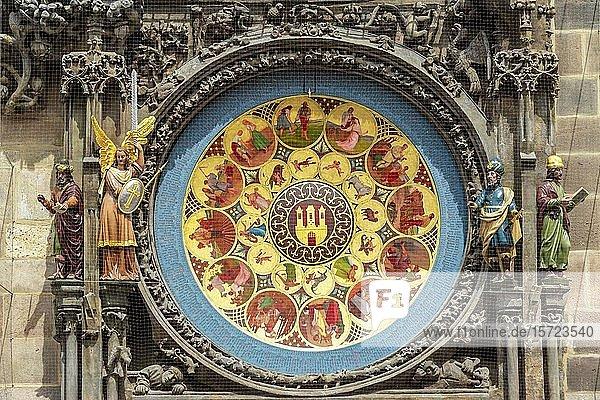 Kalenderscheibe der astronomischen Uhr am Altstädter Rathaus  Altstadt  Prag  Böhmen  Tschechien  Europa