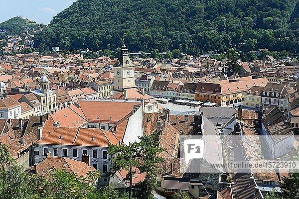 Stadtansicht mit altem Rathaus  Brasov  Siebenbürgen  Rumänien  Europa
