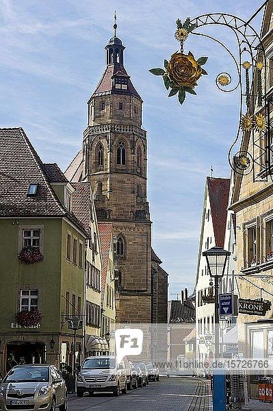 Gotische Stadtkirche St. Andreas  Altstadt  Weißenburg in Bayern  Mittelfranken  Franken  Bayern  Deutschland  Europa