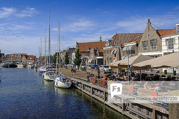Street cafe at the old harbour  Oude Haven  Enkhuizen  North Holland  West Frisia  Holland  Netherlands