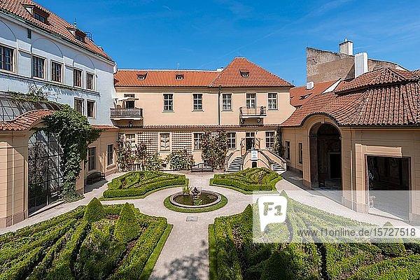 Vrtba-Garten im Barockstil  Kleinseite  Prag  Tschechische Republik  Europa